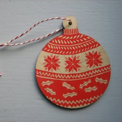 Bauble wooden dec