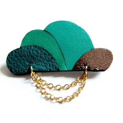 Cloud Brooch in green by Akabe