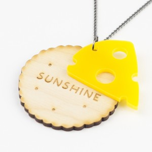 Hello Sunshine Cheese&Biscuit necklace 02