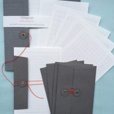 Olliepops Letterwriting set in Grey]