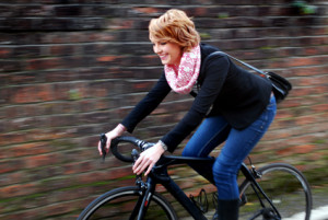 WEB - Bike Twist Snood cream and pink