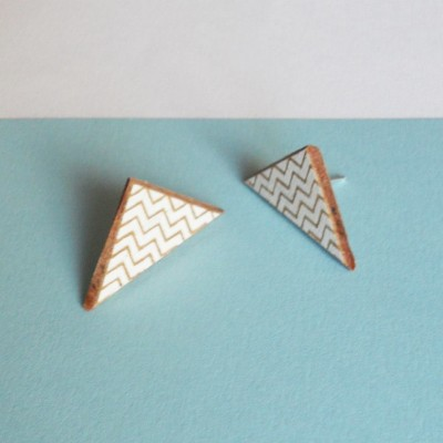 White zigzag earrings