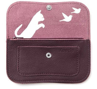 cat chase wallet in aubergine - inside