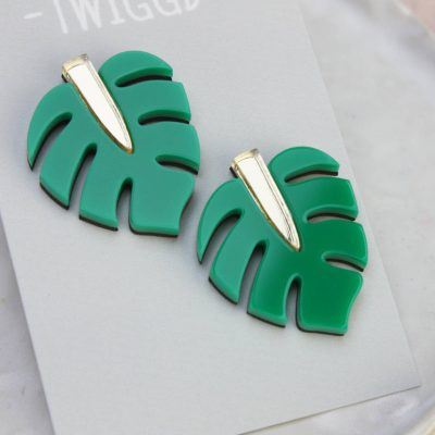 monstera leaf stud gold