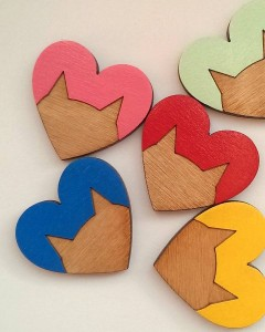 original_cat-heart-wooden-brooch-2 - Copy