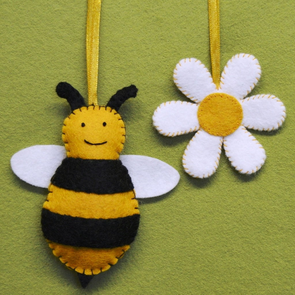 Flower and Bee Mini Felt KIt by Corinne Lapierre