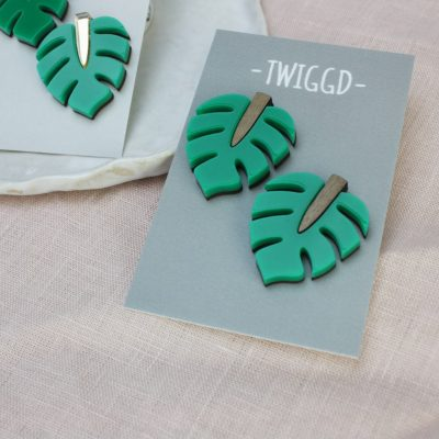 monstera leaf stud wood