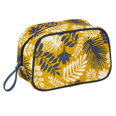 tropic-pattern-cosmetic-kit